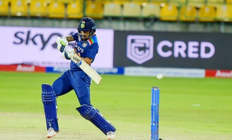 IND vs SL 2nd ODI Live: Good hitting from Chamika Karunaratne helped Sri Lanka set 276-run target for Shikhar Dhawan's India; Follow live