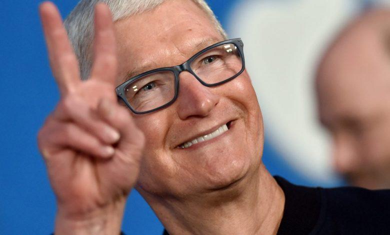 US stock market slips but Apple, Google, and Microsoft report big earnings