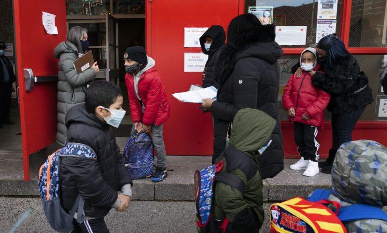 NYC schools sticking with COVID mask mandate despite new CDC guidance: De Blasio