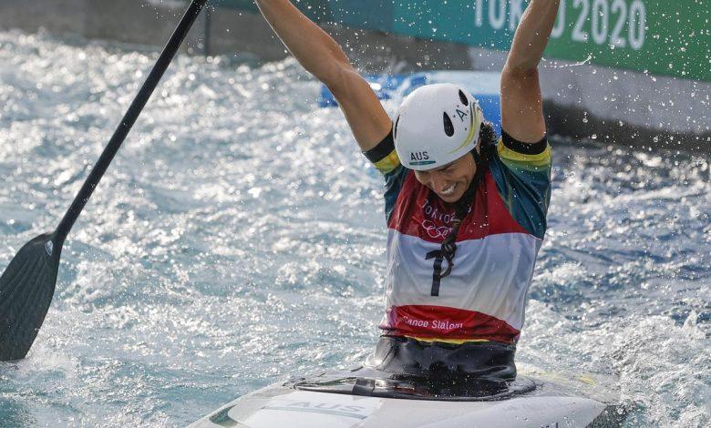 Jess Fox wins gold medal in C1 final, Richard Fox breaks down