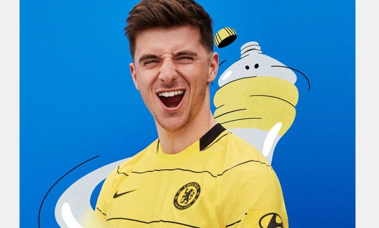 Mason Mount models Chelsea's new away shirt (image courtesy of Nike)