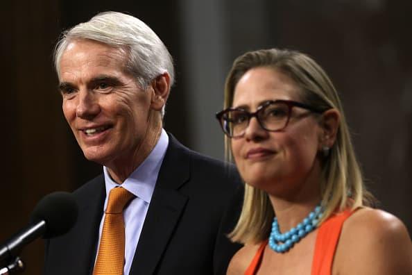 US Senate in rare Saturday session on a $ 1 trillion infrastructure bill