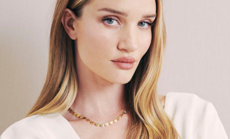 Rosie Huntington-Whiteley Debuts Rose Inc., Clean, Green Cosmetics – WWD