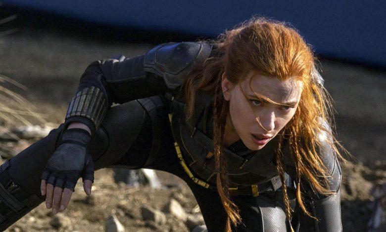 Fan Art Shows Black Widow's Scarlett Johansson as Poison Ivy