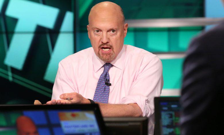 Cramer advises investors to sell stocks, says too soon to buy September slide