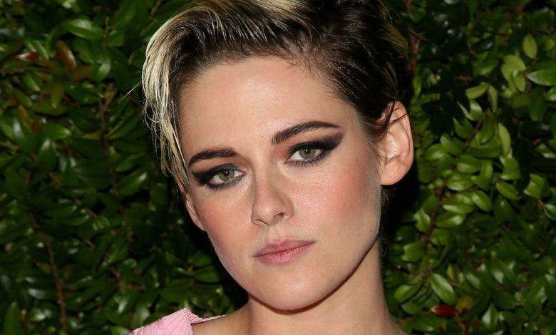 "Kristen Stewart Felt Princess Diana's Spirit ""Sign Off"" on Her Performance in 'Spencer'"