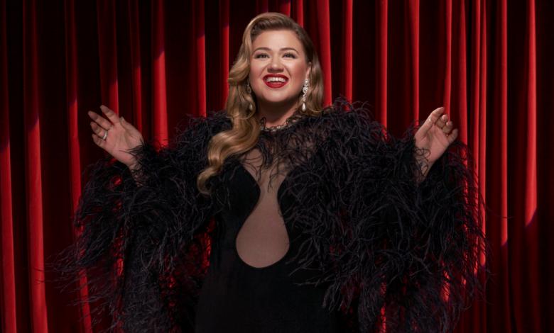 Hear Kelly Clarkson's New Christmas Single (In September)