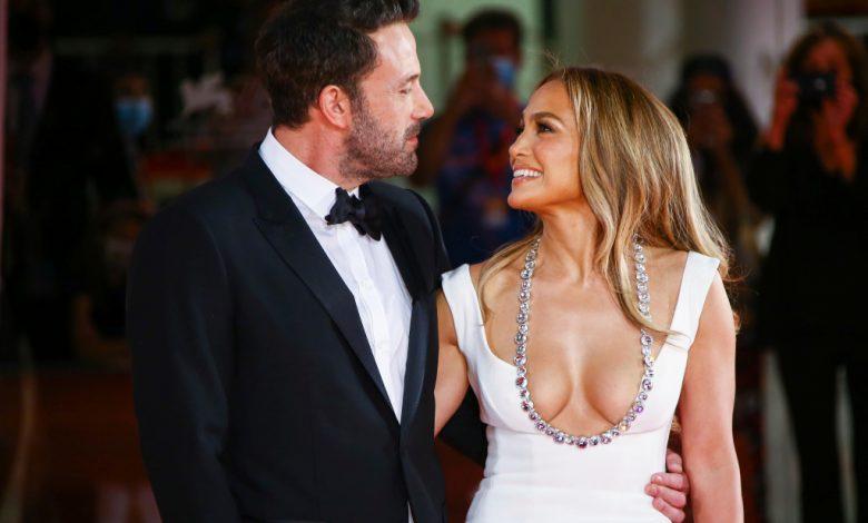 Jennifer Lopez, Ben Affleck at Venice Film Festival: Outfit Details – WWD
