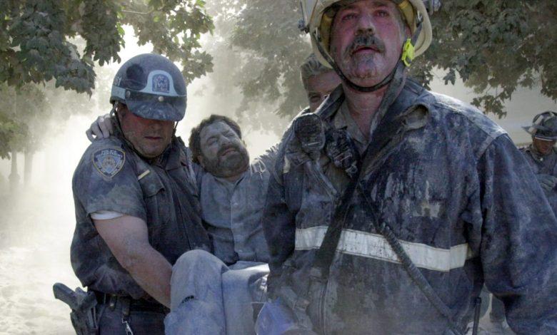 Photographer David Handschuh Hunts for His 9/11 'Guardian Angel'