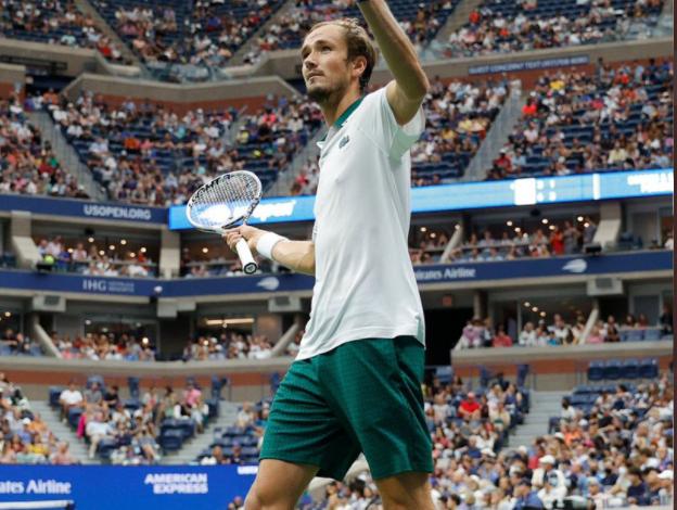 US Open 2021: Daniil Medvedev ousts van de Zandschulp to become the first semi-finalist of the tournament