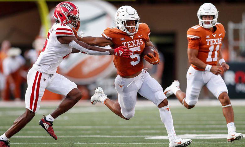 Texas vs. Arkansas: Prediction, pick, football game odds, spread, live stream, watch online, TV channel
