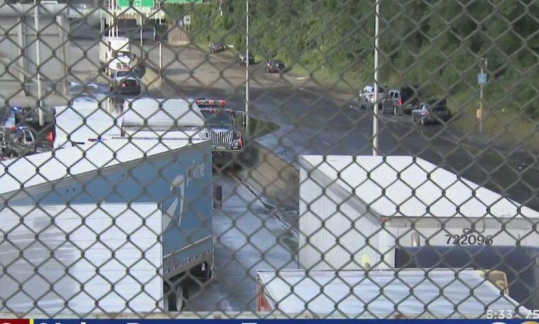 Dozens Of Abandoned Vehicles Submerged On Major Deegan Expressway – CBS New York