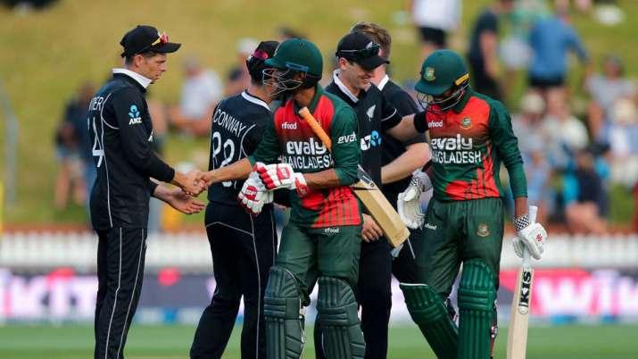 New Zealand bat first, live update