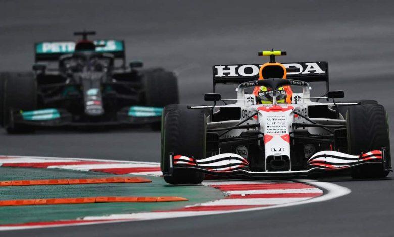 Lewis Hamilton and Sergio Perez at Turkish GP